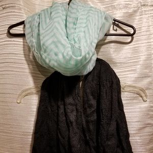 Accessories - Set of two scarves